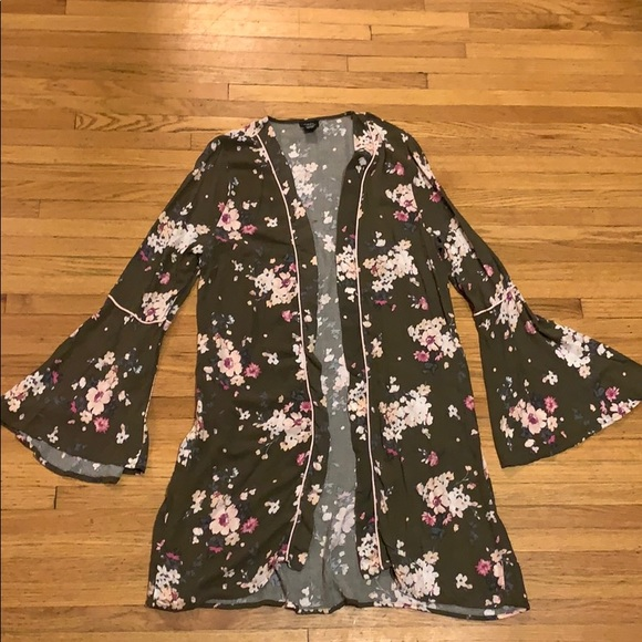 Rue 21 floral duster size L